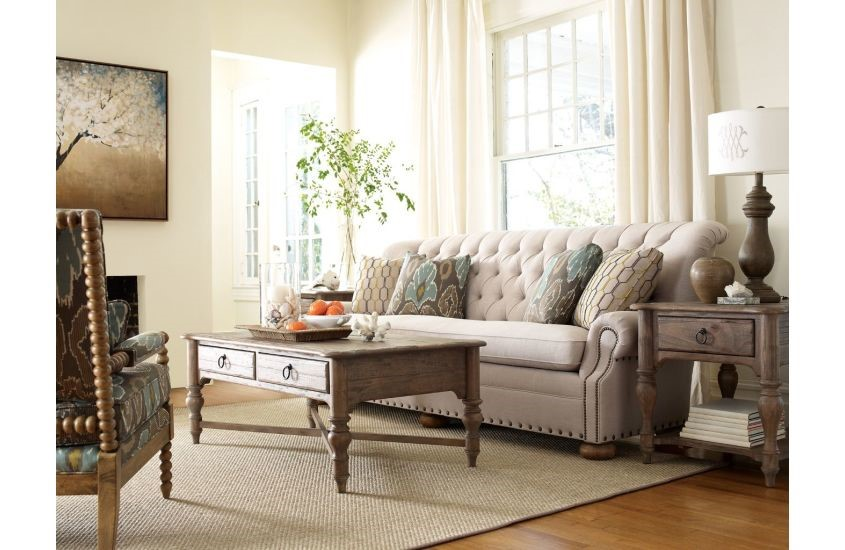 These stylish sofas will help you update your Chattanooga living room for an overall look that's fresh and interesting.